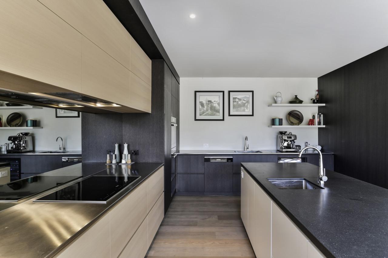 Despite the generous walking spaces, the kitchen has