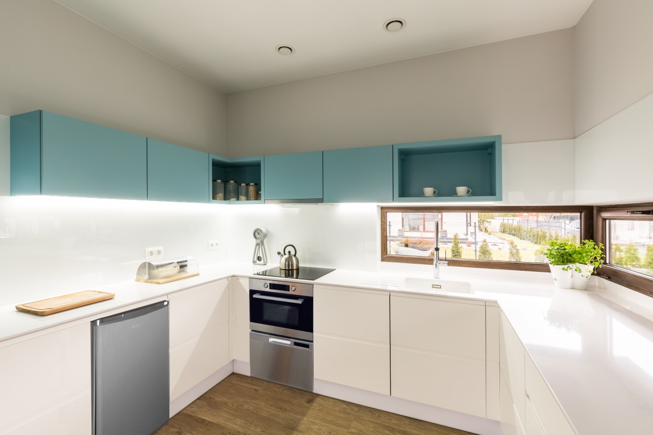 Want kitchen space? Need kitchen space? This contemporary