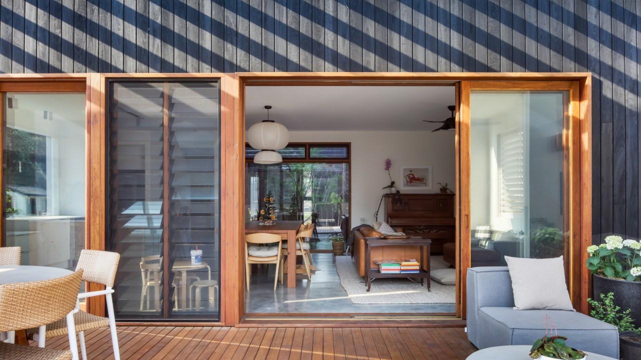 This house oozes indoor-outdoor flow. - Surprise us!