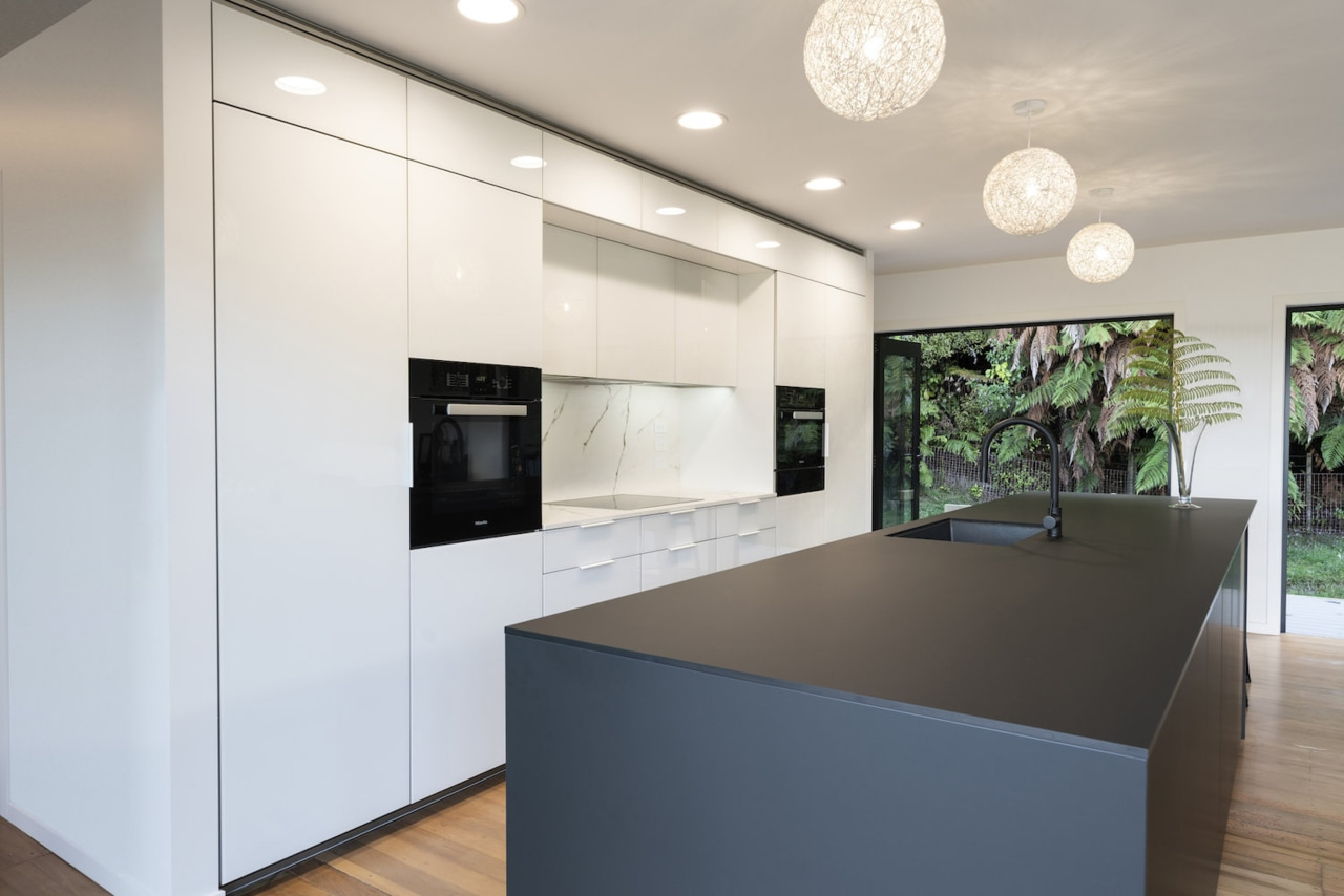 The cooktop area allows landing spaces for both