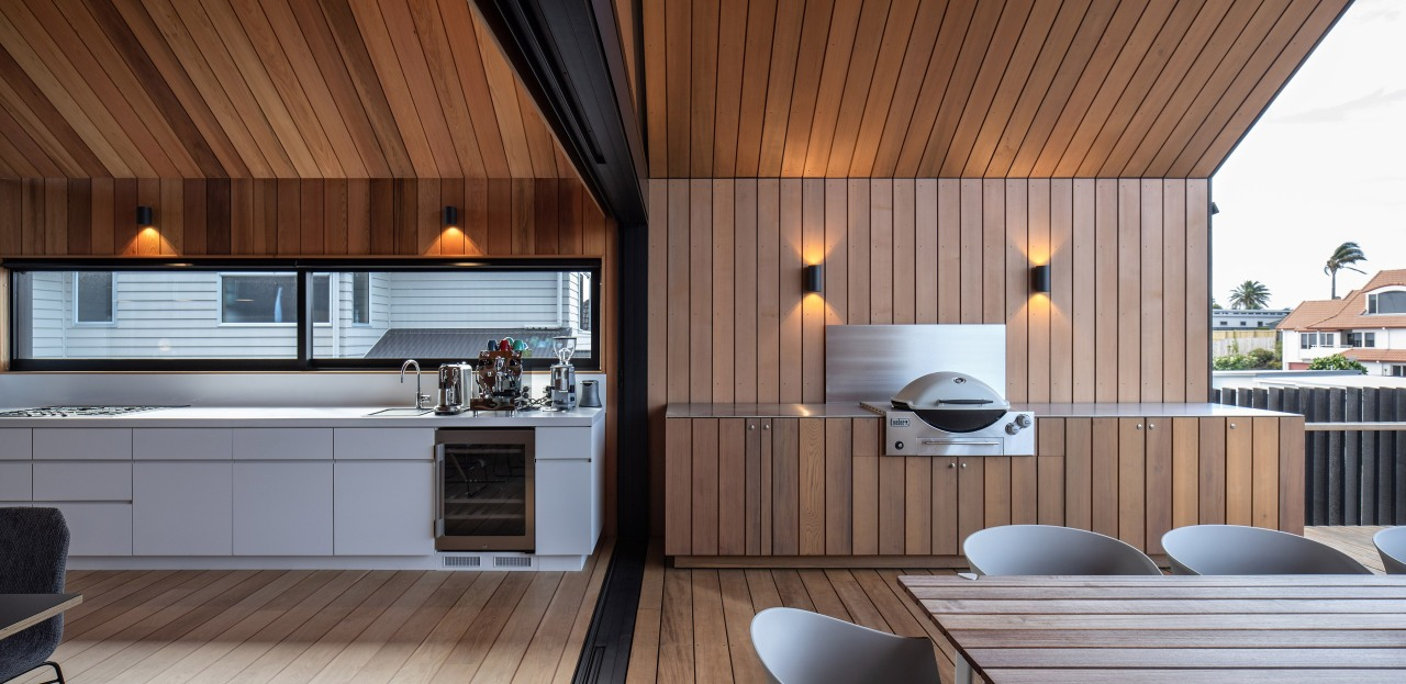 Seamless – with white being swapped for wood,