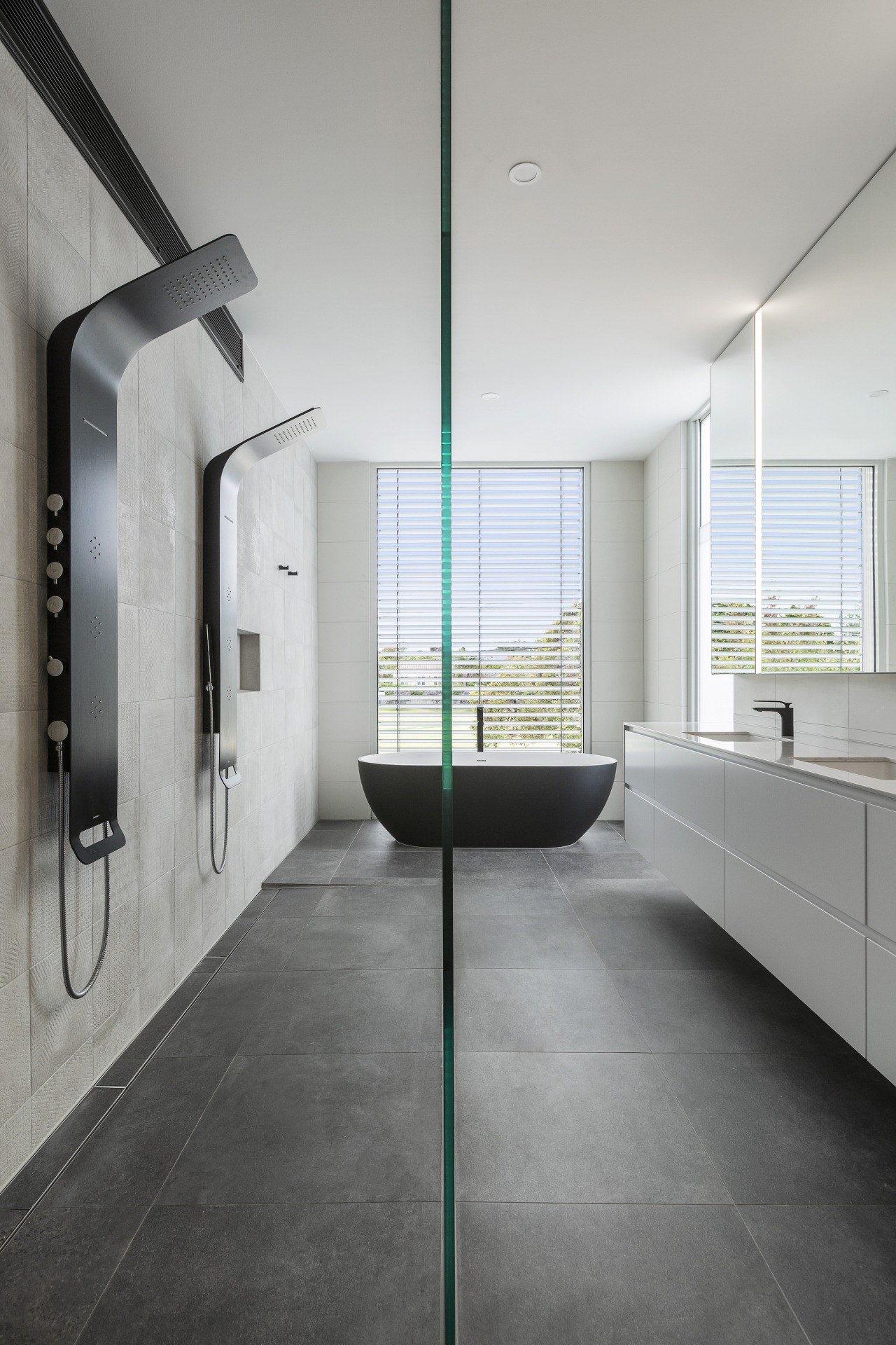 The bath provided a wonderful feature to the