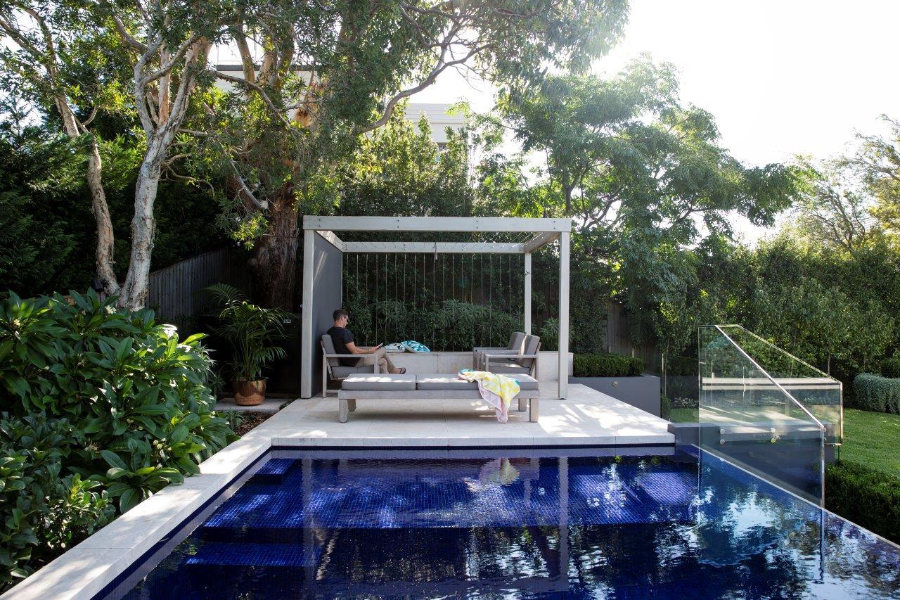 Landscaping trends 2021 pool blue mosaics -