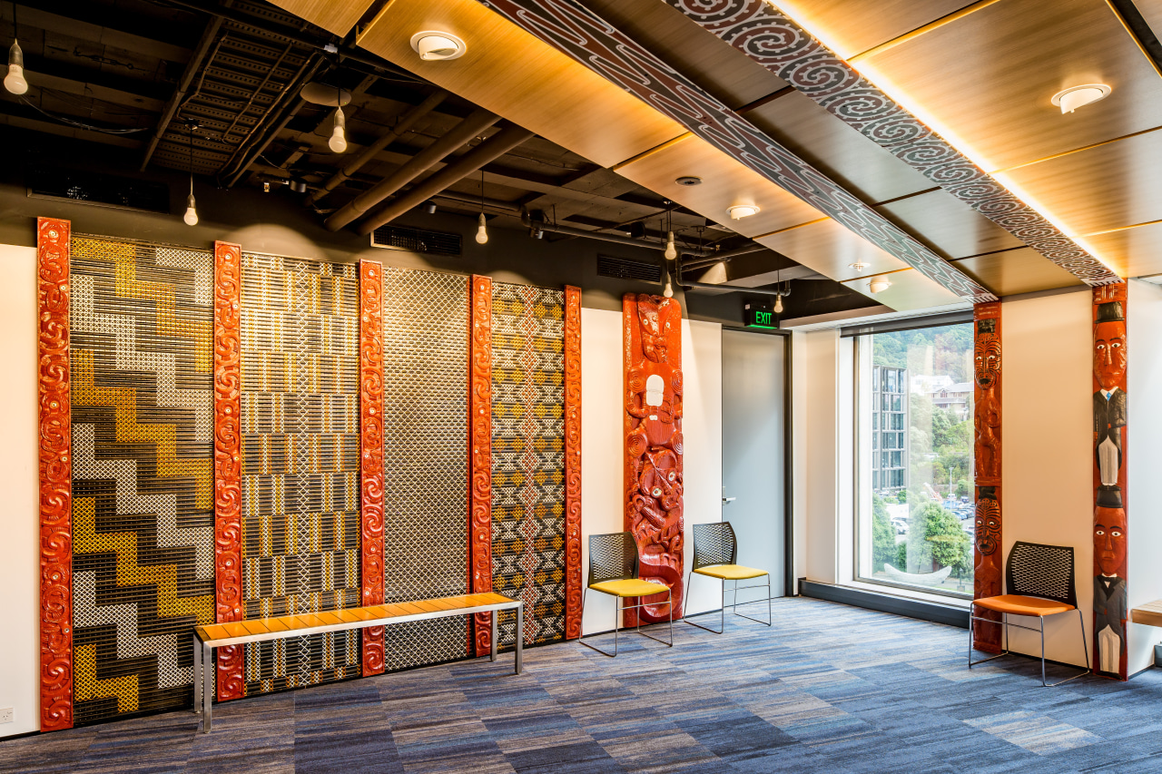 Traditional Māori carvings and advanced AV systems coexist architecture, , interior design, Treasury Building,  Maori carvings, meeting house, Workspace Architects