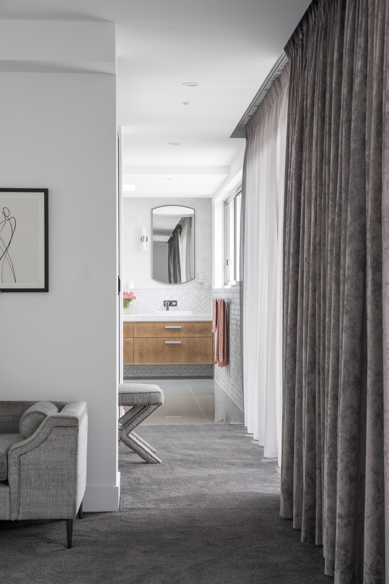 The hallway – lined with both sheer floating