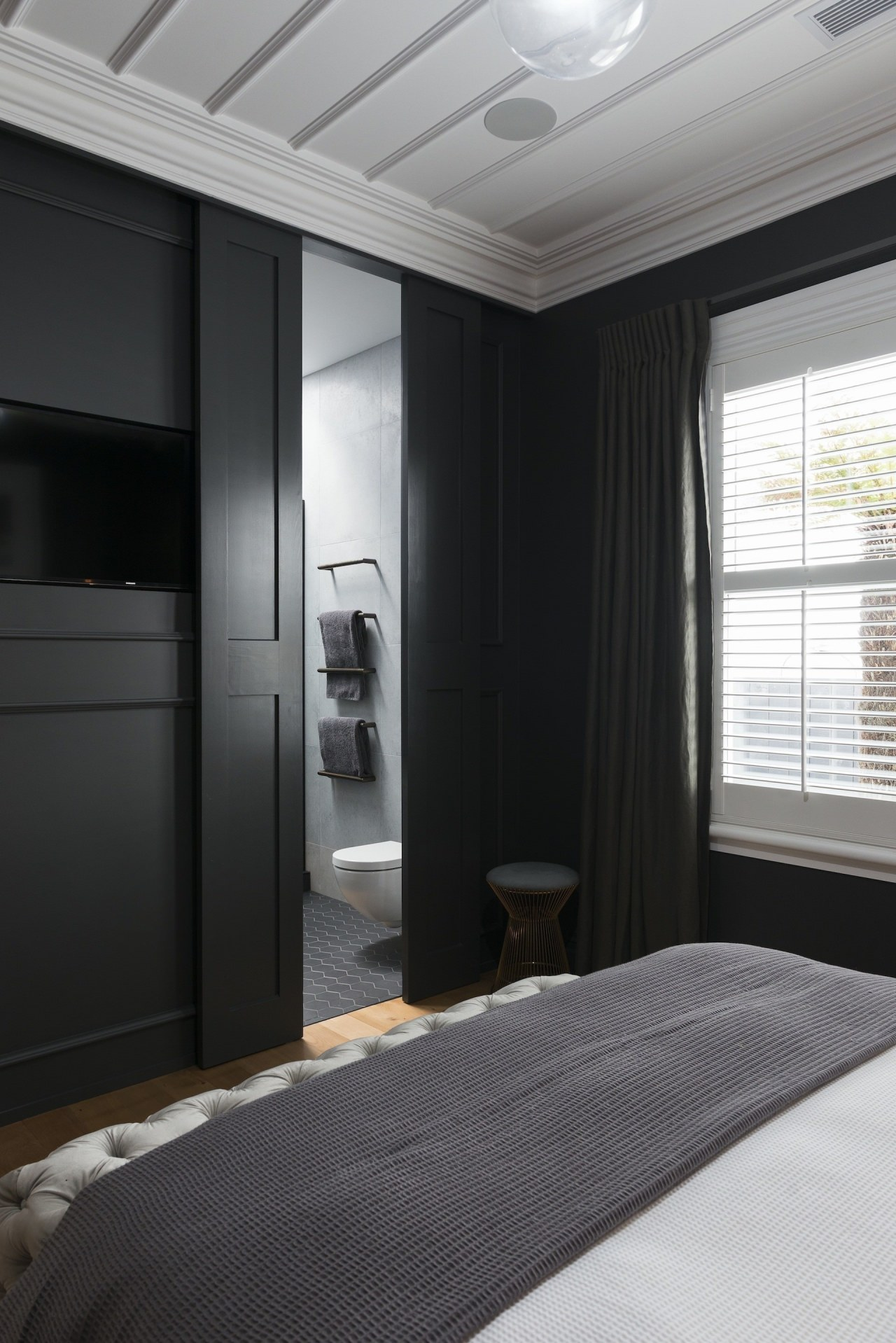 Caro Design architecture, ceiling, interior design, room, window, black, gray