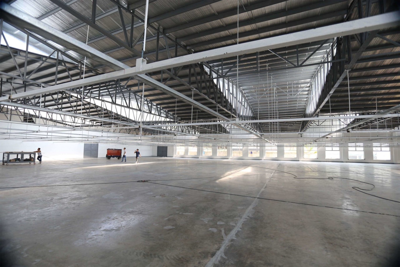 Light & Span – 1:1 daylighting, factory, hangar, structure, warehouse, gray