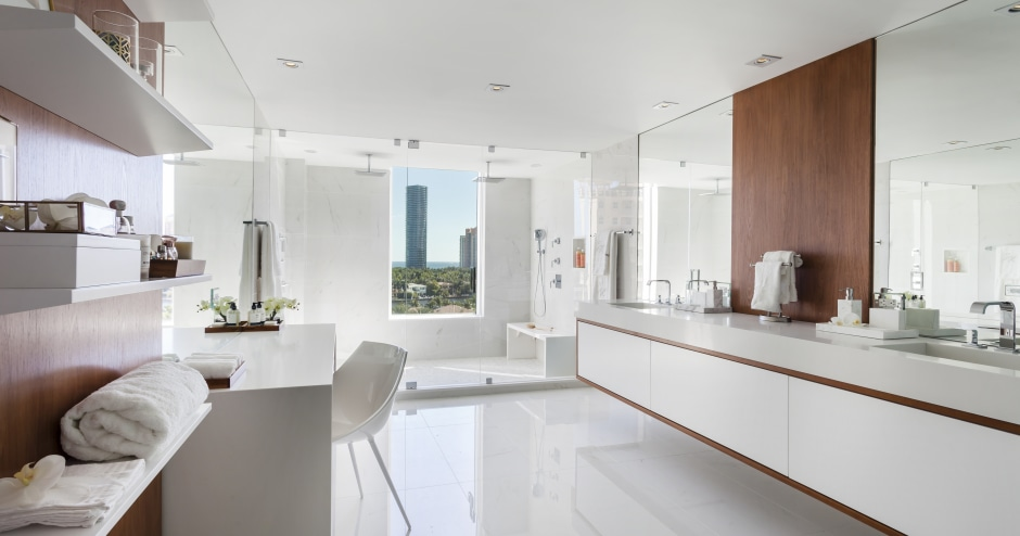 Large Contemporary Bathroom With Makeup Table And Trends