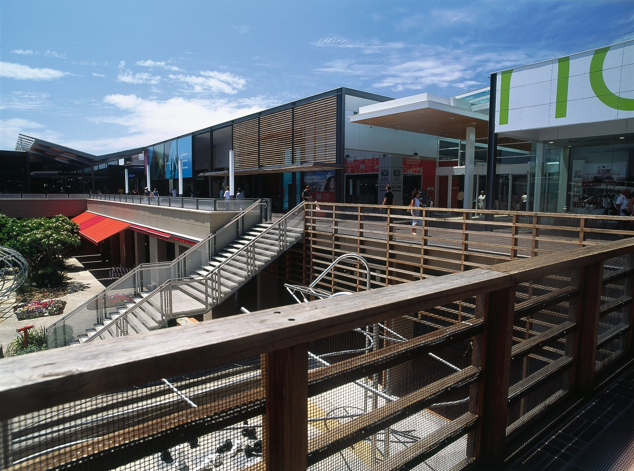 Exterior view of shopping centre in New South architecture, building, house, real estate, black