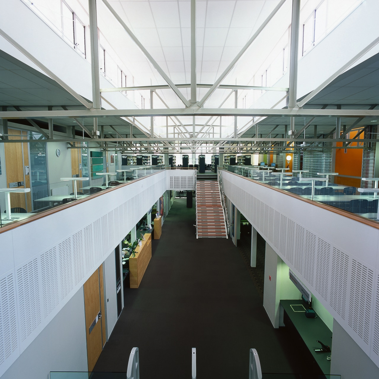 A view of the two levels in the architecture, daylighting, metropolitan area, office, white, gray