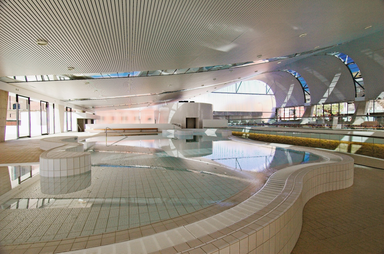 An interior view of the ian thorpe aquatic architecture, leisure, leisure centre, swimming pool, tourist attraction, gray