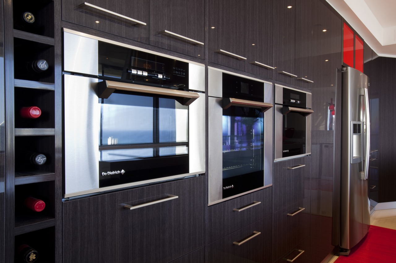 Kitchen Connection Gold Coast created a high-impact, low-maintenance home appliance, interior design, black