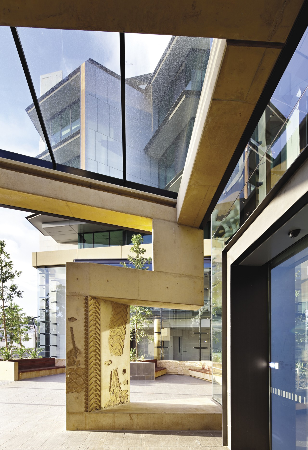 QLD Department of Justice and Attorney architecture, daylighting, house, real estate, window, brown