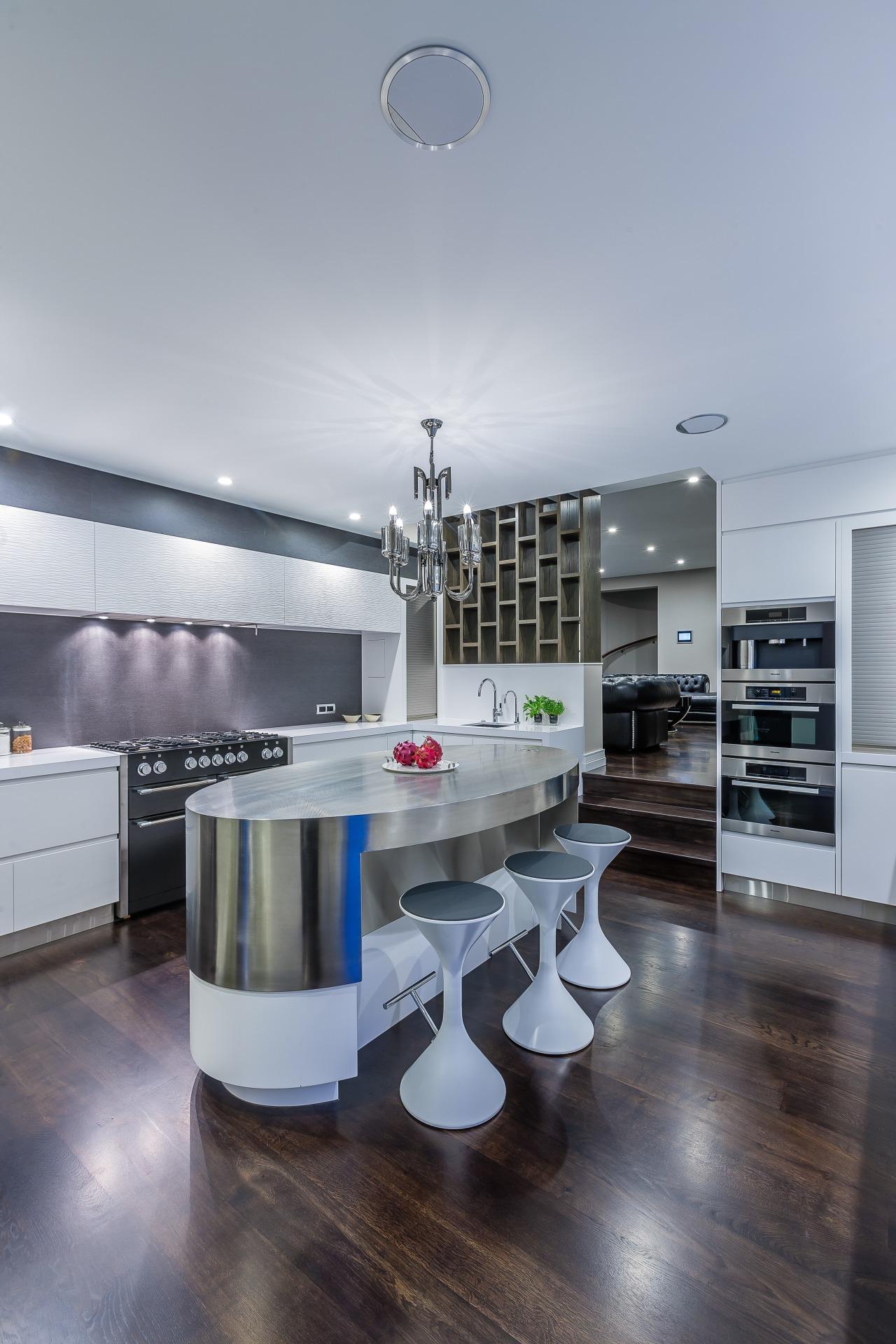 Crisply modern kitchen by Du Bois Design. Photography interior design, kitchen, product design, gray