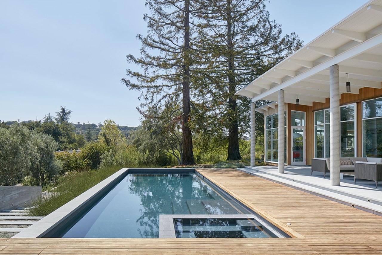 For this MDa-designed residence, the serene, spa-like exterior