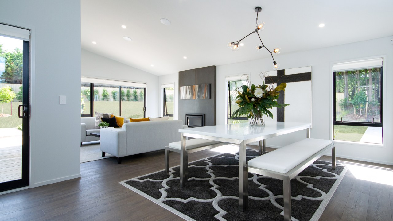 6 49 Jack Lachlan Dr Beachlands 224 Dining