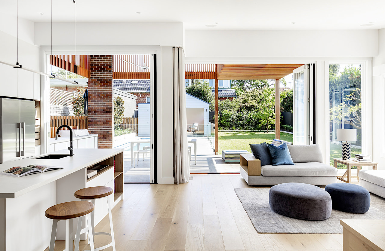 This new indoor-outdoor living, kitchen and dining volume