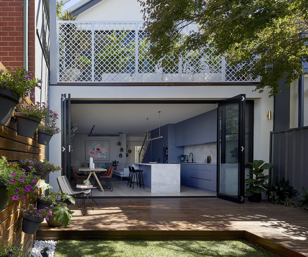 Blank Canvas Architects backgarden -