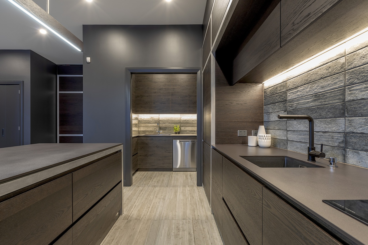 Rugged is almost an understatement for the tile gray, black