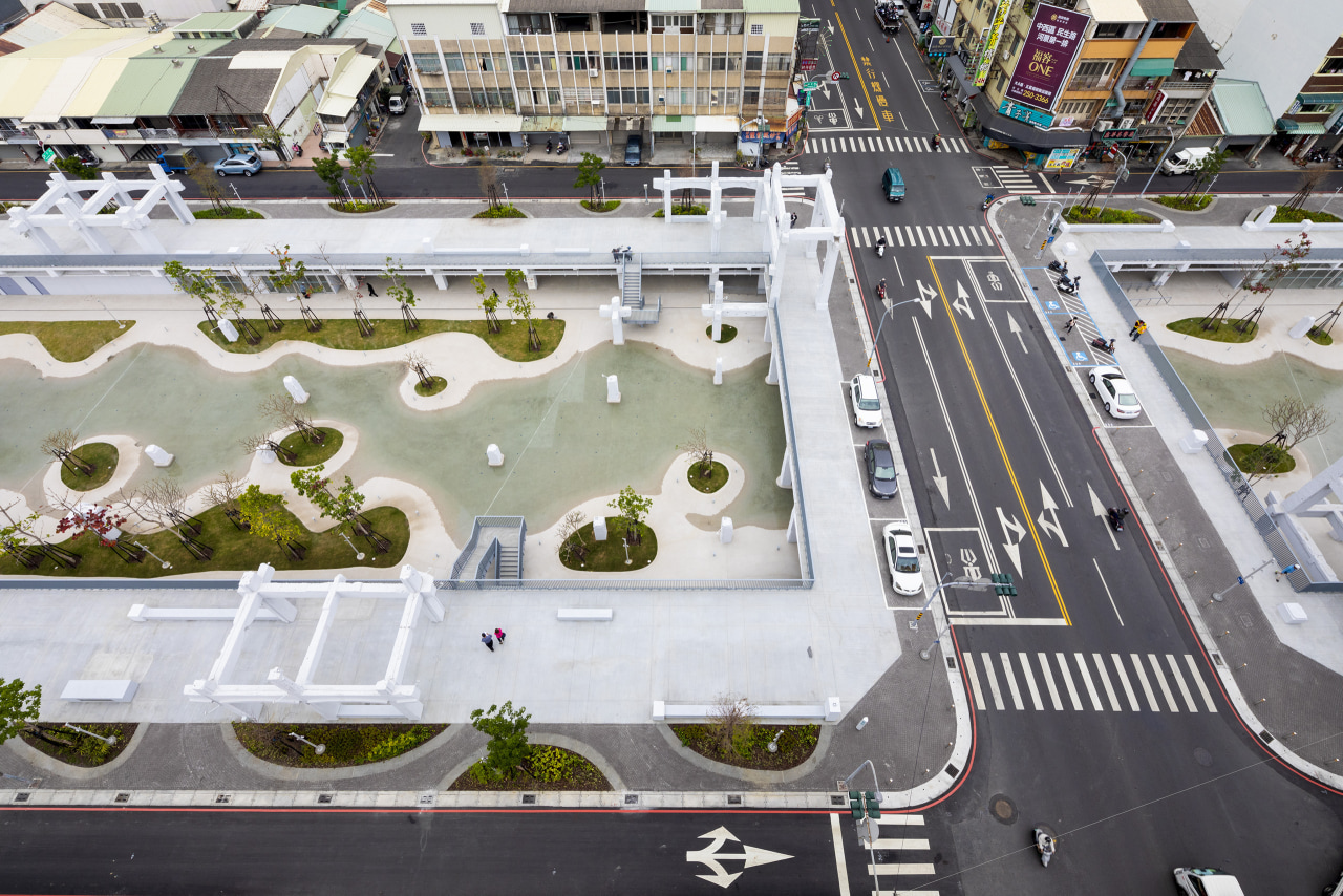 Tainan Spring shows what solutions are possible for white, gray