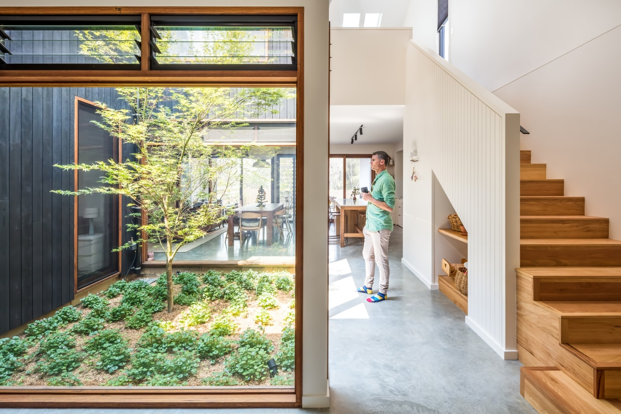 Large openings and access to natural light through