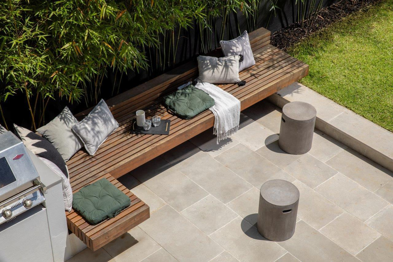 Landscaping trends 2021 outdoor living -
