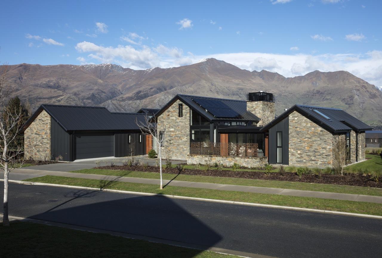 The far pavilion – the guest wing of architecture, home, house, landscape, mountain, ridge, roof, rural area, schist, stone, Condon Scott