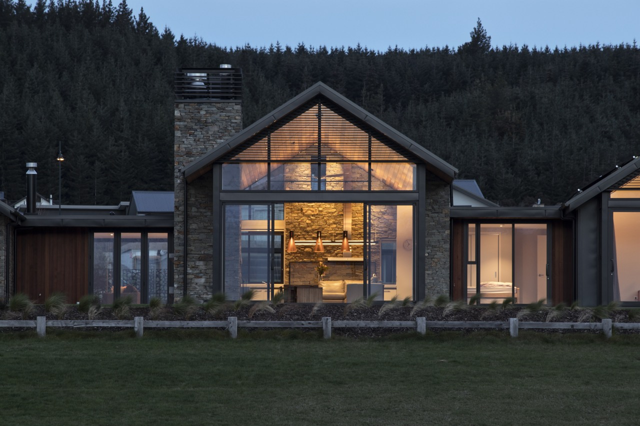 ​​​​​​​Tallest peak – the central pavilion is taller architecture, home, house, lighting, dusk, mountains, Condon Scott Architects