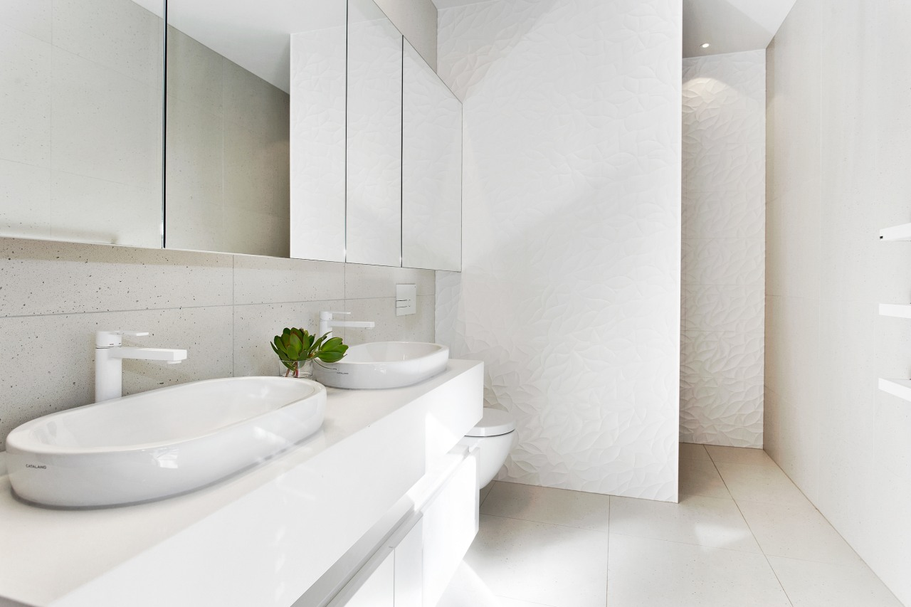 ​​​​​​​A green leaf in a white space – architecture, bathroom, ensuite, bathtub, ceramic, floor, flooring, house, interior design, plumbing fixture, tap, tile, wall, white, O'Neil Architecture