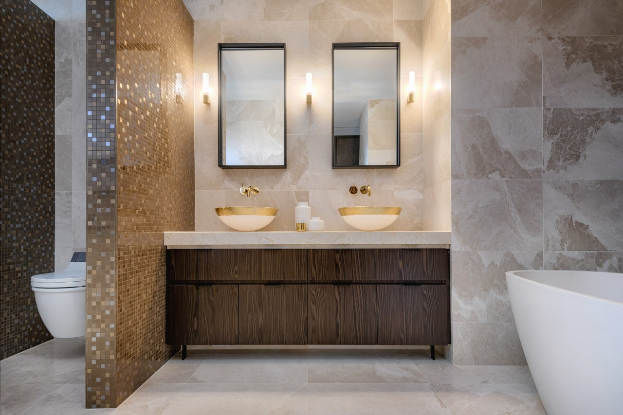 Cultural vitality, luxury and ergonomics all go together architecture, bathroom, master ensuite, bathroom cabinet, Davinia Sutton, Marble floor, wall tiles