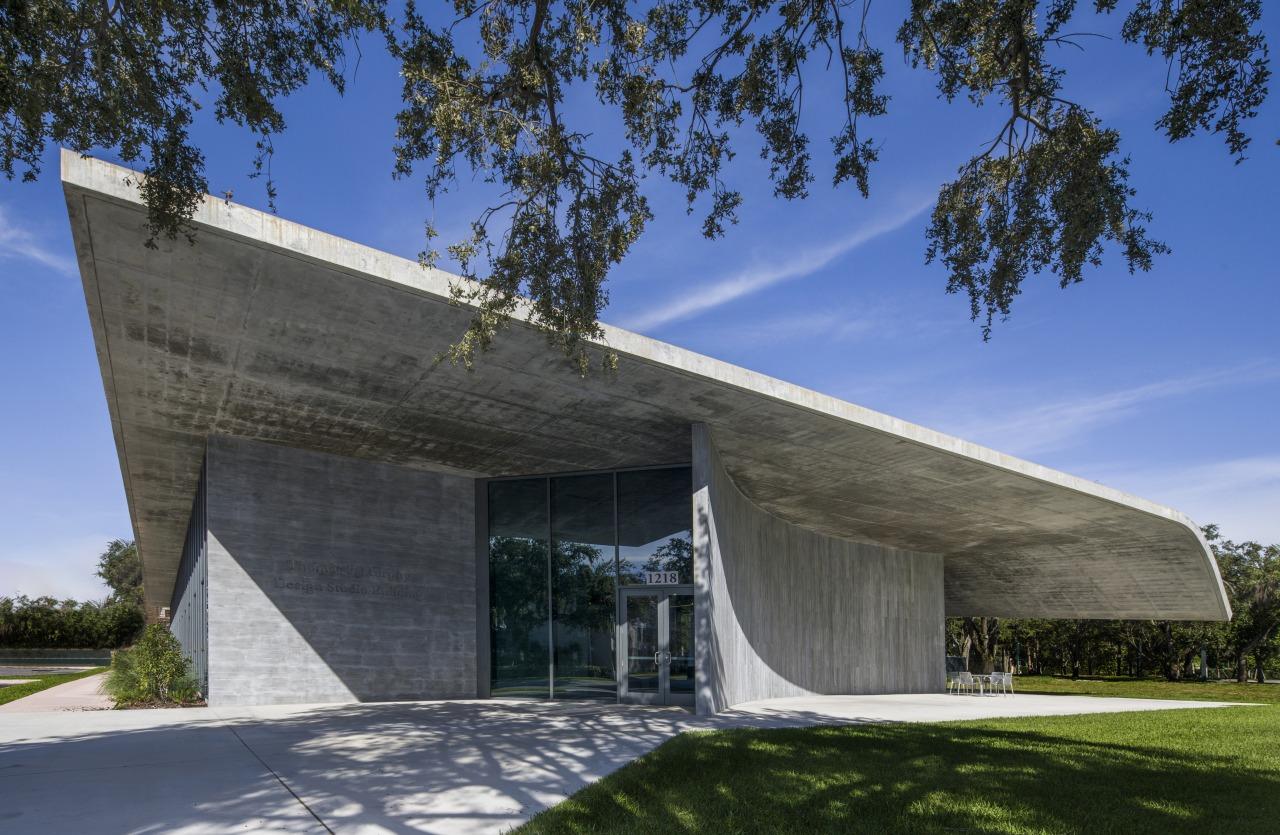 The graceful fluidity of concrete is celebrated in architecture, building, concrete, facade, reinforced concrete, thomas P Murphy Design Studio, University of Miami School of Architecture