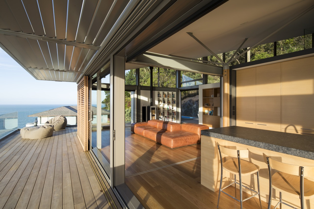 ​​​​​​​Together with the external cedar sliding panels, automatically brown, black