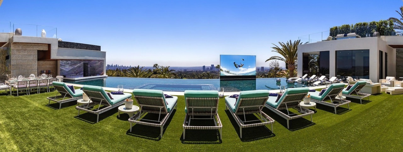 The weather is unparalleled year-round, nothing but bright estate, leisure, property, real estate, sport venue, teal, brown