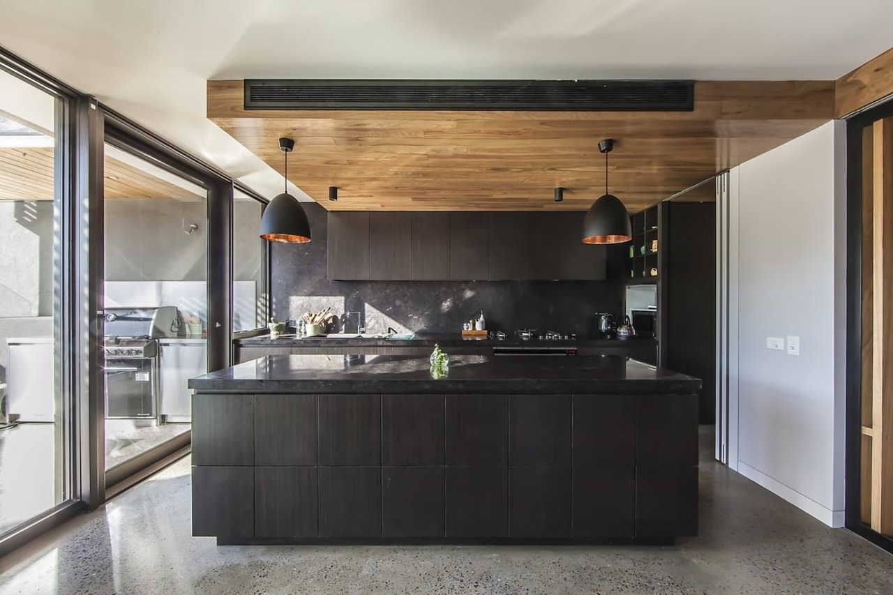 Architect: mcmahon and nerlich architectsPhotography by superk architecture, cabinetry, countertop, cuisine classique, house, interior design, kitchen, gray, black