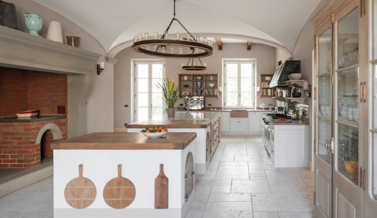 A traditional British kitchen cabinetry, ceiling, countertop, cuisine classique, estate, home, interior design, kitchen, property, real estate, room, gray