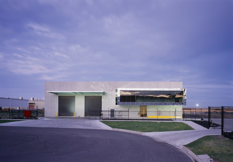 Cantilevered administrative offices transform the front facade of architecture, building, cloud, commercial building, corporate headquarters, facade, headquarters, home, house, property, real estate, residential area, sky, blue