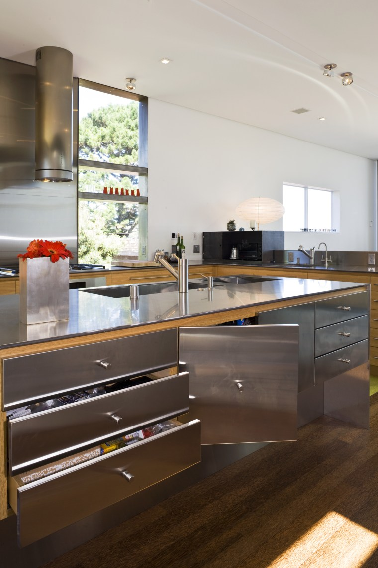 Finely Tuned Stainless Steel Kitchen Trends