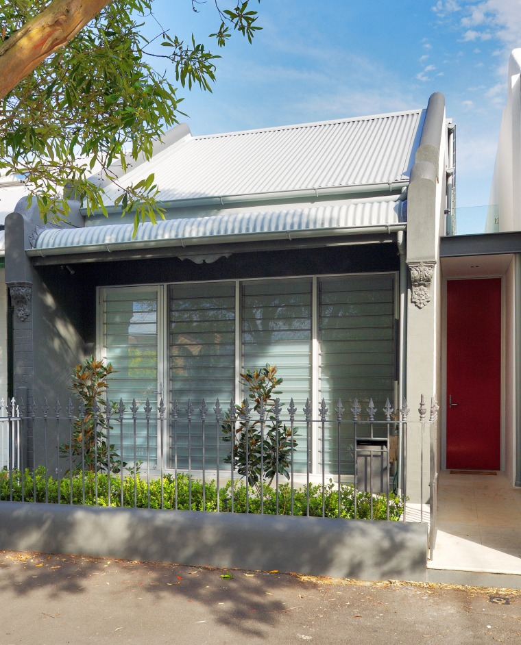 Exterior view of the front facade of the facade, house, property, real estate, structure, window