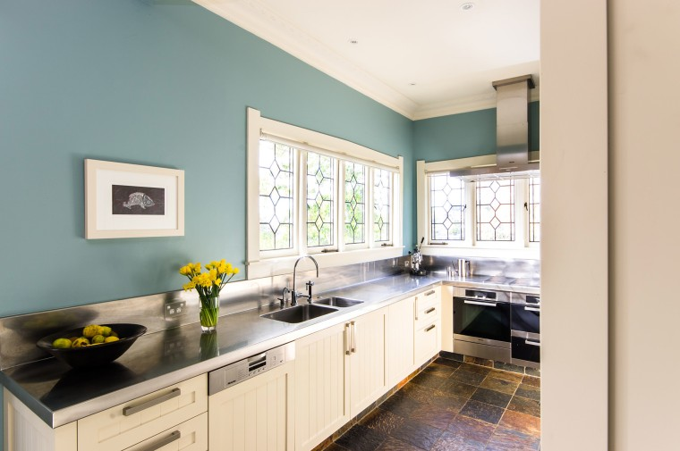 Resene Paint Colours Enliven Traditional Kitchen Trends Stunning Home Interior Design Kitchen Painting