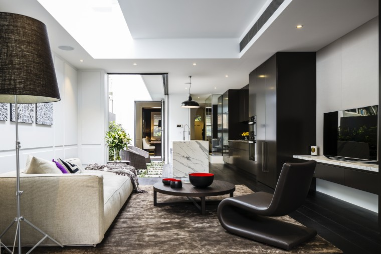 A vista runs through it  from the ceiling, interior design, living room, lobby, room, white, black