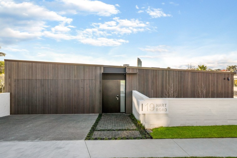 Integrating the double garage door into the rest architecture, building, concrete, estate, facade, grass, home, house, land lot, line, plant, property, real estate, residential area, roof, tree, wall, white