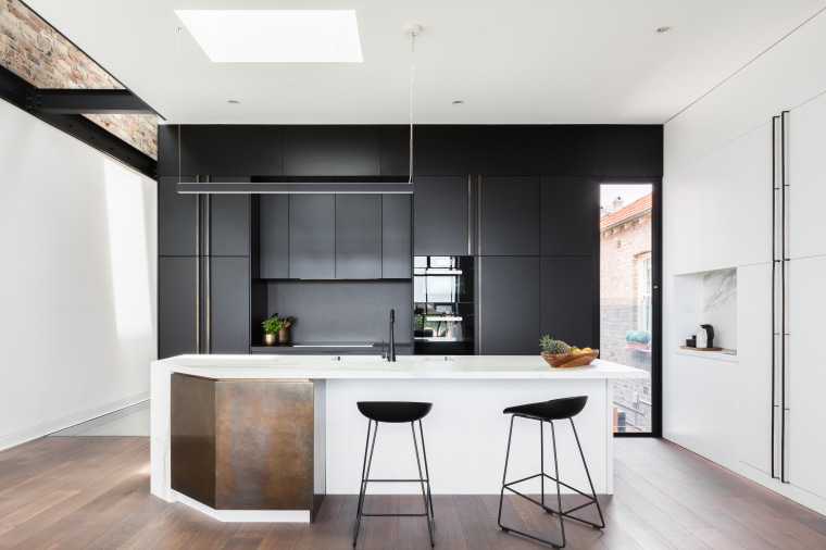 Nz3406Bijl–286981396 02 - architecture | countertop | house architecture, countertop, house, interior design, kitchen, white