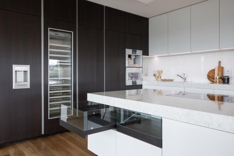 For design harmony on this kitchen, designer Lara architecture, cabinetry, countertop, benchtop, Ceasarstone, floor, flooring, kitchen, white, Akzente, Lara Farmilo, Poggenpohl