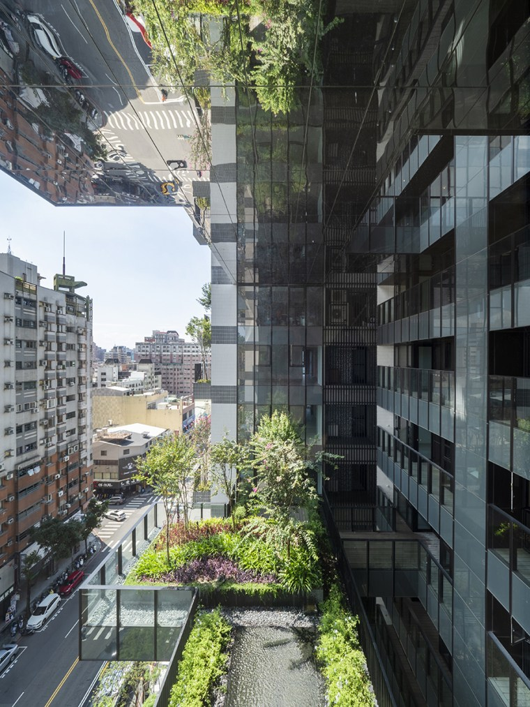 The sky gardens are natural outdoor spaces immediately black, gray