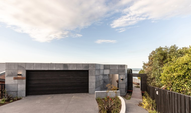 Solid concrete walls and floors with a high architecture, building, concrete, design, estate, facade, home, house, land lot, landscape, property, real estate, residential area, roof, room, sky, white
