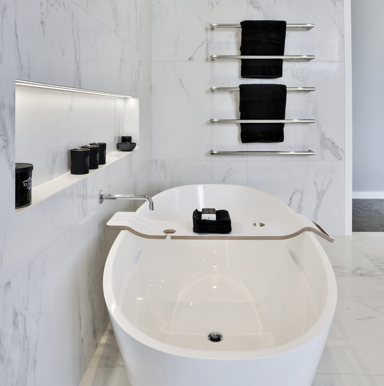 Marble Look Tiles Make This Bathroom A Trends