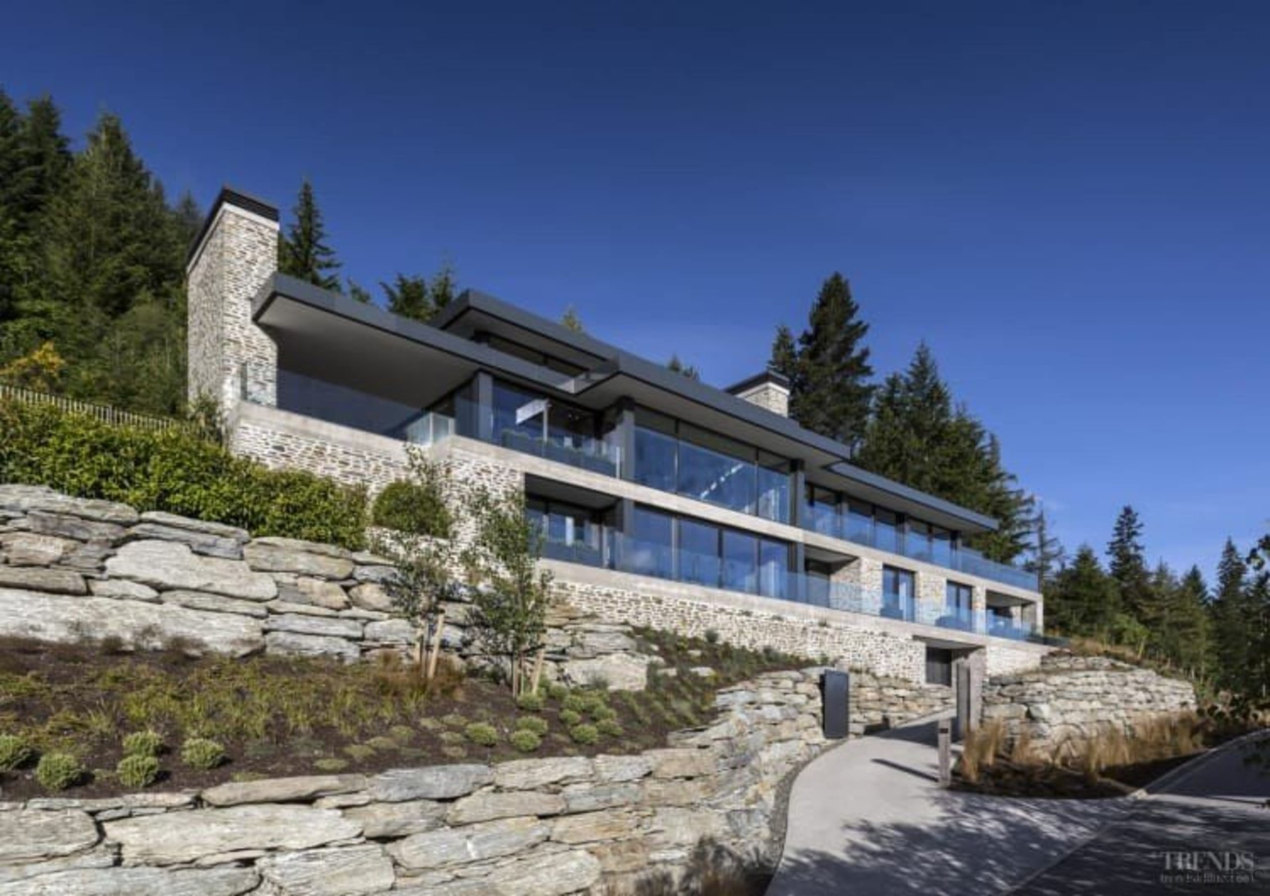 Mason & Wales ArchitectsSee the full storyThis building, cottage, estate, facade, home, house, mountain, mountain range, property, real estate, sky, villa, blue, gray