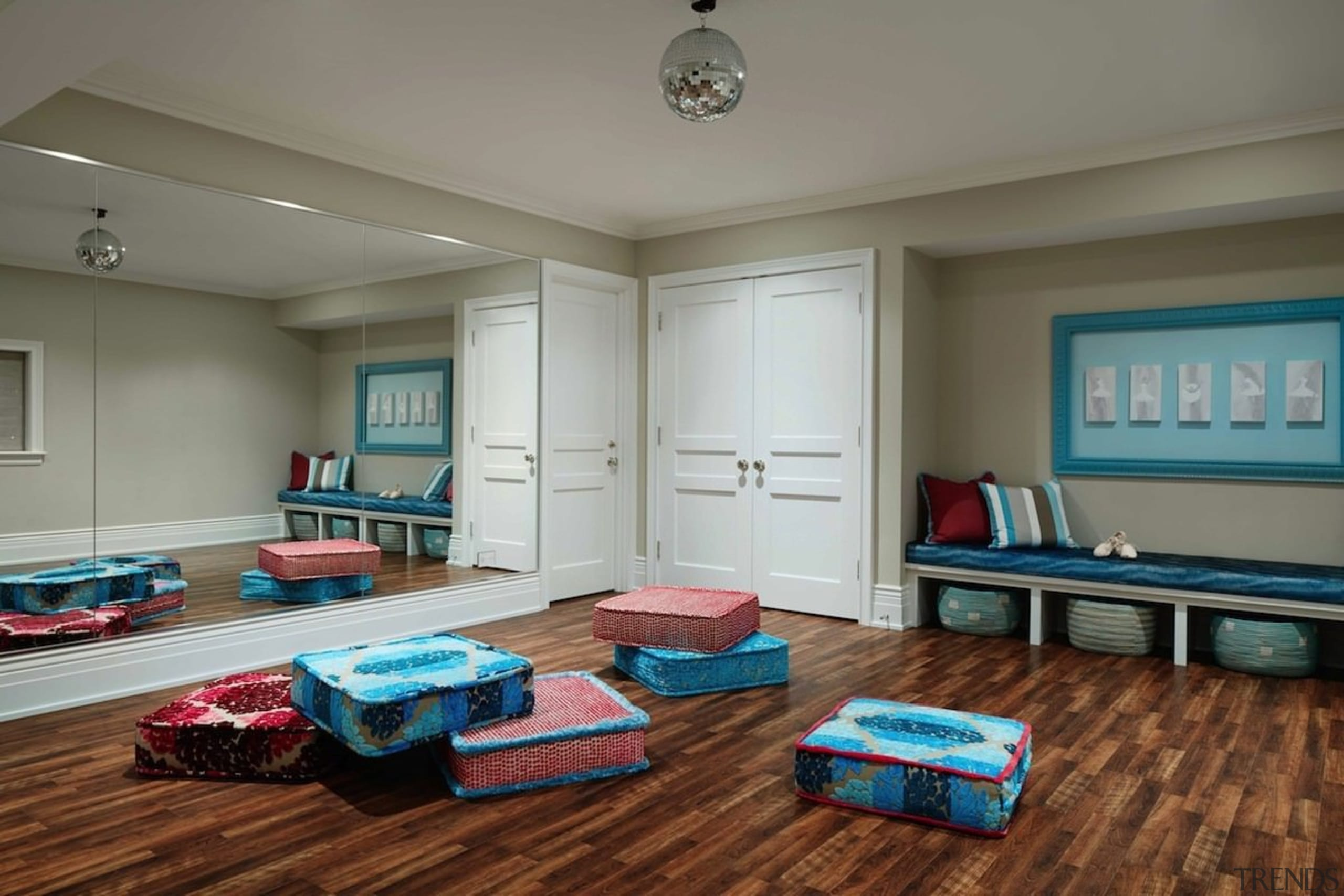 This studio is, like the gym, another internal ceiling, floor, flooring, hardwood, home, house, interior design, living room, property, real estate, recreation room, room, gray
