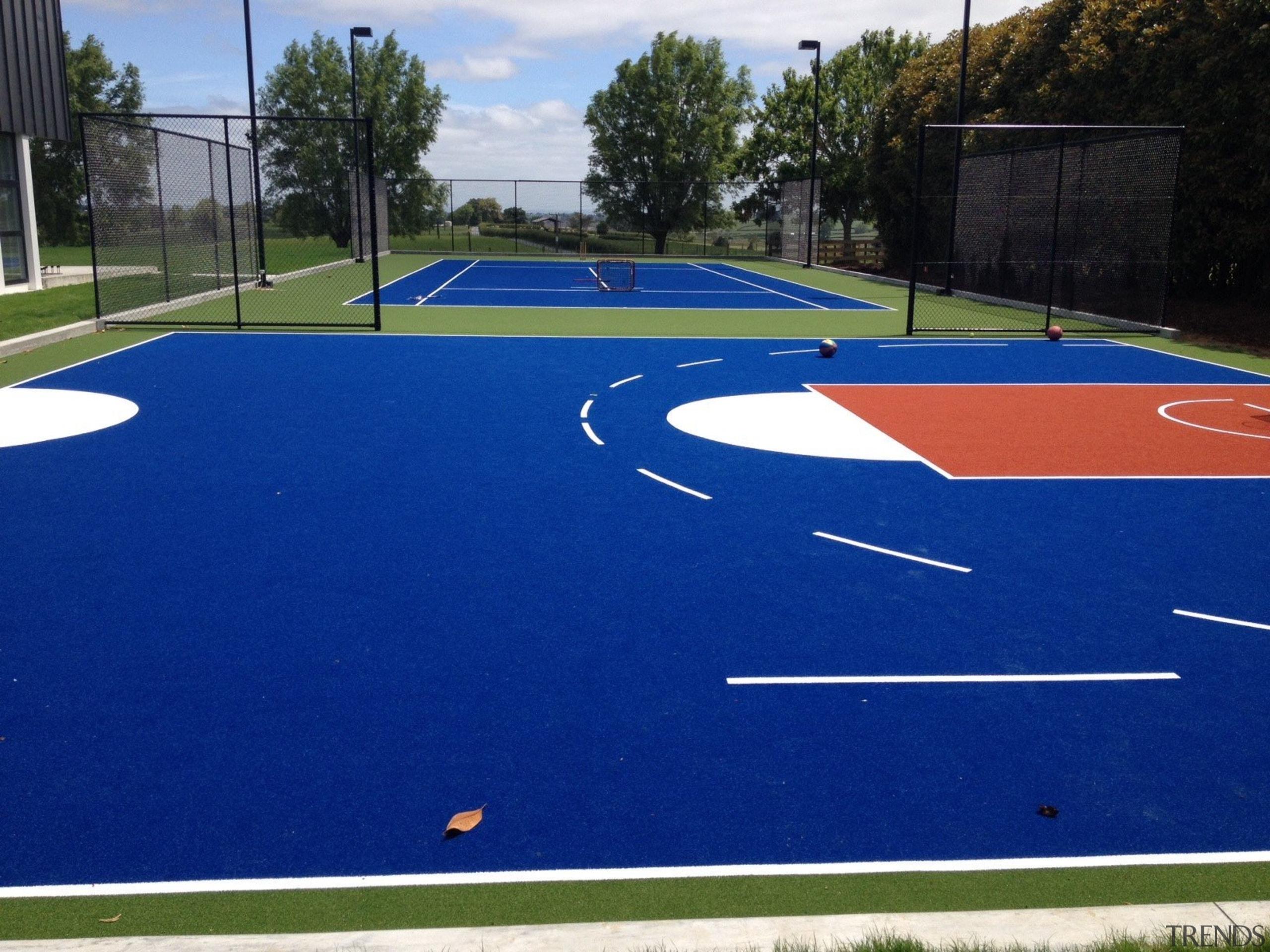 Sport - artificial turf   asphalt   grass artificial turf, asphalt, grass, leisure, line, net, plant, playground, public space, sport venue, sports, structure, blue