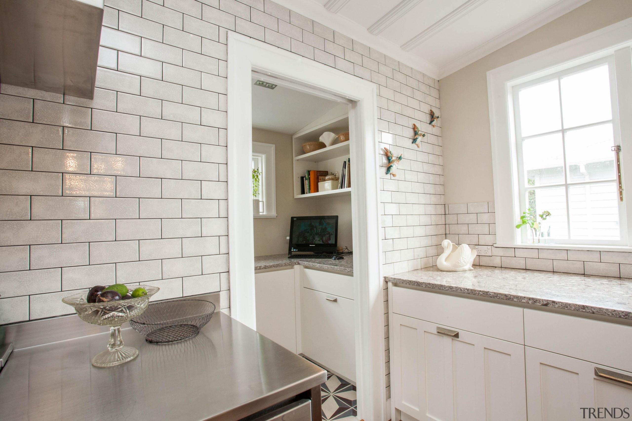 scp-26.jpg - countertop   cuisine classique   floor countertop, cuisine classique, floor, flooring, home, interior design, kitchen, property, real estate, room, tile, window, gray